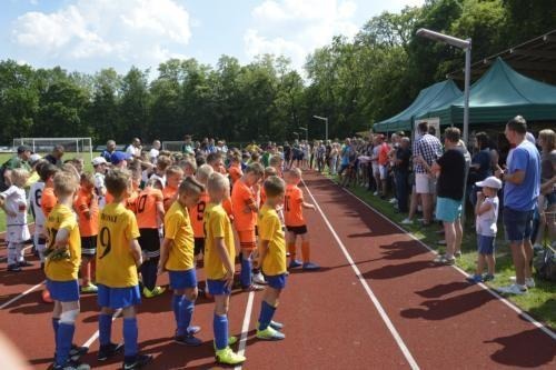 mecz piłki nożnej dla dzieci 11