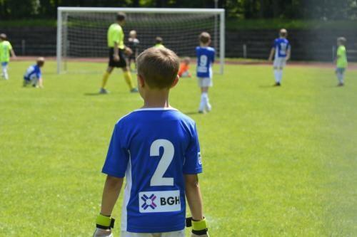 mecz piłki nożnej dla dzieci 20
