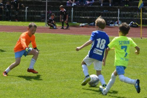 mecz piłki nożnej dla dzieci 21