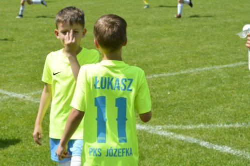 mecz piłki nożnej dla dzieci 22
