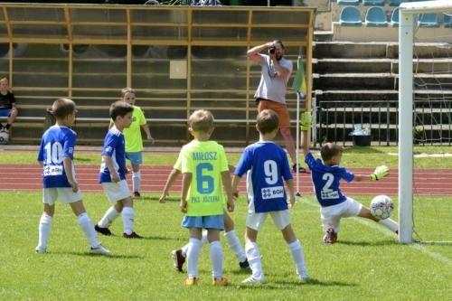 mecz piłki nożnej dla dzieci 23