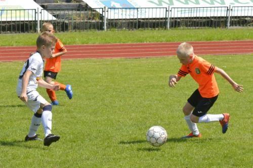 mecz piłki nożnej dla dzieci 26