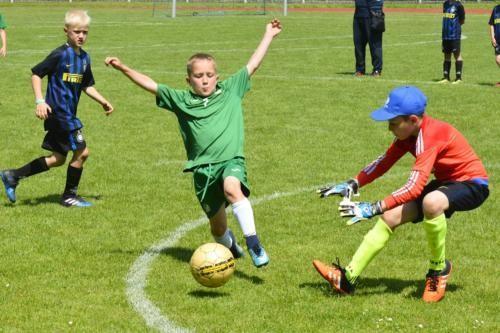 mecz piłki nożnej dla dzieci 29