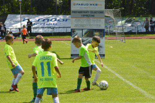 mecz piłki nożnej dla dzieci 33