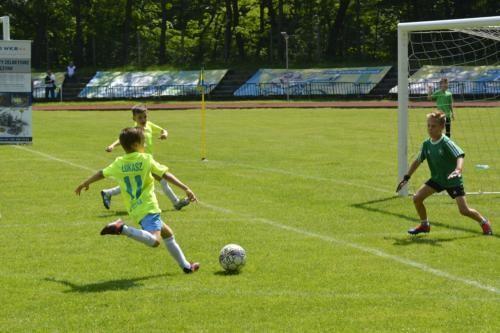 mecz piłki nożnej dla dzieci 34