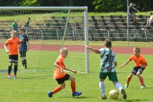 mecz piłki nożnej dla dzieci 39