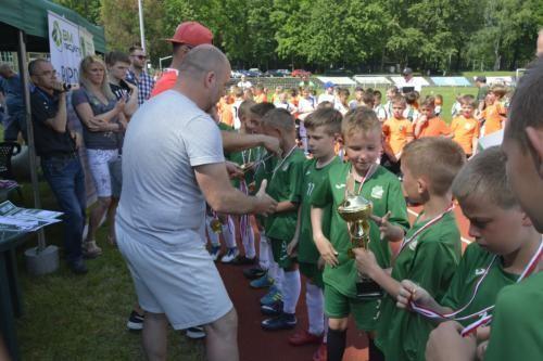 mecz piłki nożnej dla dzieci 4