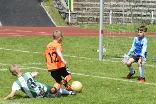 mecz piłki nożnej dla dzieci 41
