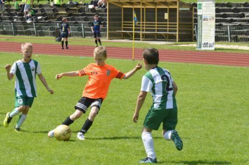 mecz piłki nożnej dla dzieci 43