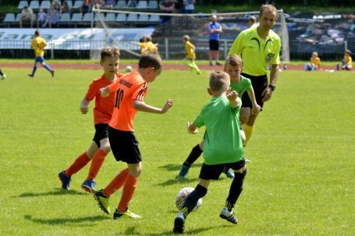 mecz piłki nożnej dla dzieci 52