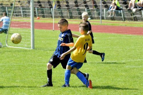 mecz piłki nożnej dla dzieci 57