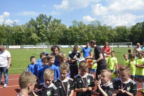 mecz piłki nożnej dla dzieci 8